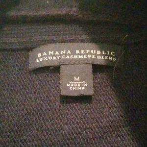 Banana Republic Sweaters - Banana Repulic Cashmere/wool blend Navy sweater